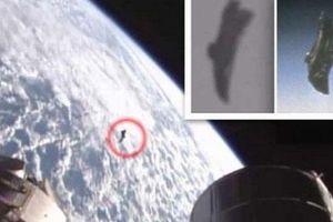 Xôn xao UFO lượn lờ quanh Trạm vũ trụ quốc tế ISS