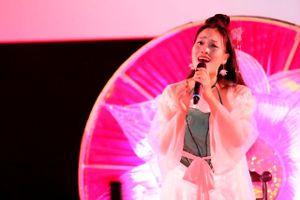 Sao mai Huyền Trang ra mắt MV Đóa sen ngời
