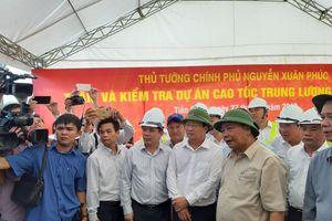 Thủ tướng yêu cầu đưa cao tốc Trung Lương - Mỹ Thuận vào sử dụng ngày 30/4/2021