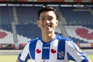 Văn Hậu xử lý tinh tế đánh bại thủ môn Heerenveen trong buổi tập