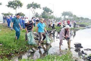 Hơn 2.000 người ra quân hưởng ứng Chiến dịch 'Làm cho thế giới sạch hơn'