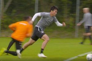 Văn Hậu đi bóng đẳng cấp ở SC Heerenveen