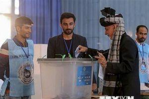 Bầu cử Tổng thống Afghanistan: Kéo dài thời gian bỏ phiếu