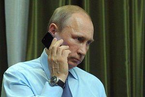 Điện Kremlin bình luận về thông tin ông Putin sở hữu điện thoại bí mật có kích cỡ 'siêu dày'