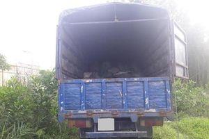Tài xế xe tải ngủ say, trộm thò tay lấy túi xách nửa tỉ