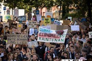 Thụy Sĩ: 100.000 người tuần hành kêu gọi ngăn biến đổi khí hậu