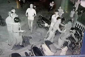 Ngăn hỗn chiến, 3 công an bị cướp súng đánh hội đồng dã man