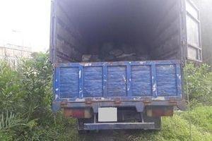 Đỗ xe bên lề đường để ngủ, tài xế xe tải bị trộm 'cuỗm' túi xách nửa tỷ