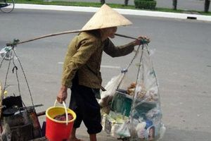 Nhân Ngày Quốc tế Người cao tuổi 1/10: 'Chỉ mong khỏe để làm thuê dành tiền dưỡng già'