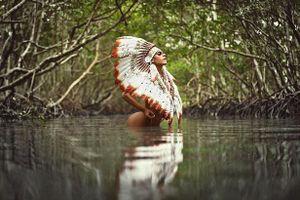 Hoa hậu siêu vòng 3 Brazil chụp ảnh gợi cảm, kêu gọi bảo vệ Amazon