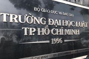 Trường ĐH Luật TP.HCM nợ dây dưa 29 tỷ, tuyển sinh 'chui' văn bằng 2