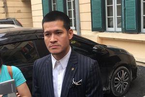 Đạo diễn Việt Tú lại chuẩn bị ra tòa vụ tranh chấp tác quyền