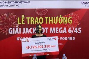Xổ số Vietlott: Trao giải thưởng cho 1 trong 2 khách hàng trúng Jackpot gần 100 tỷ