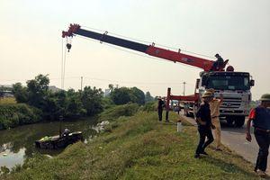 Xe tải mất lái đâm vào người đi đường, 2 học sinh chết tại chỗ