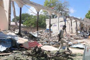 Phiến quân al-Shabaab tấn công căn cứ Mỹ và đoàn xe quân sự của EU