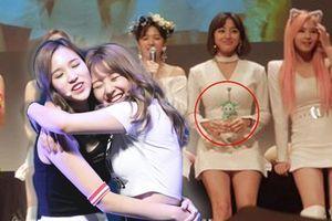 Jihyo (Twice) nhận 'mưa lời khen' khi luôn tìm cách để Mina góp mặt dù không thể quảng bá 'Feel Special'