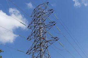 Hoàn thành công tác kéo dây mạch 2 đường dây 220kV Ô Môn - Sóc Trăng