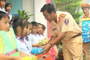 Hơn 760 học sinh ở Cần Thơ được phổ biến Luật GTĐT nội địa