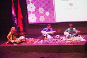 Biểu diễn nghệ thuật Sarod 'String for Peace' kỷ niệm 150 năm ngày sinh của Mahatma Gandhi