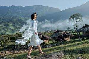 Tuyết Lan hóa nàng thơ trong BST cảm hứng vùng cao của Lê Thanh Hòa
