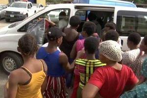 Cảnh sát Nigeria giải cứu 19 phụ nữ khỏi 'lò đẻ' ở Lagos