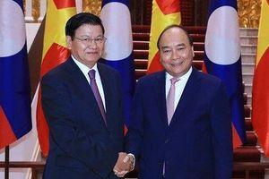 Thủ tướng Lào Thongloun Sisoulith bắt đầu thăm chính thức Việt Nam