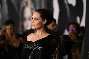 Angelina Jolie đẹp rạng ngời cùng các con trong buổi ra mắt phim 'Maleficent 2'