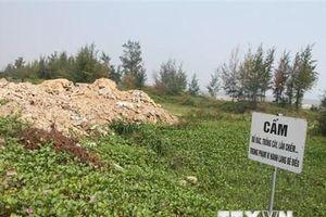 Hà Tĩnh: Rác thải bủa vây tuyến kè biển dài 8km qua xã Thịnh Lộc