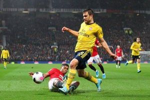 Arsenal cầm hòa MU trong trận cầu cực kỳ hấp dẫn