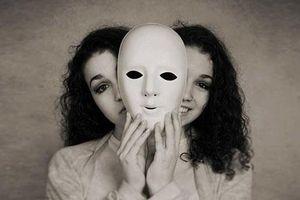 2 kiểu 'tri kỷ' phụ nữ cần đặc biệt tránh xa kẻo chồng bị cướp lúc nào không hay