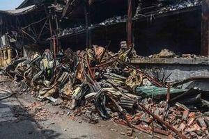 1.800 tấn phế liệu cháy ở kho Rạng Đông được chuyển về bãi rác Nam Sơn
