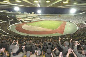 Hà Nội FC thi đấu trên sân bóng đặc biệt ở Bình Nhưỡng