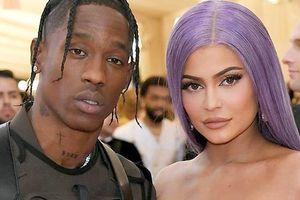 Tỷ phú Kylie Jenner chia tay bạn trai rapper