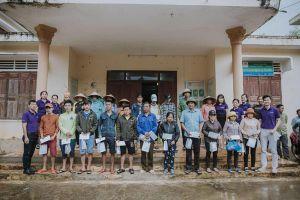 Oriflame chia sẻ khó khăn với người dân vùng lũ Tân Hóa
