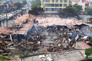 Hiện trường tan hoang vụ cháy 300 ki ốt chợ Còng ở Thanh Hóa