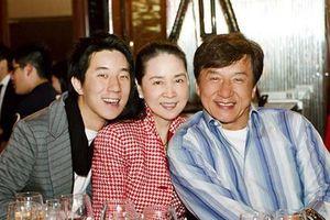 Vợ Thành Long âm thầm đến ủng hộ phim mới của chồng