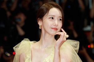 Yoona (SNSD) được ví như công chúa, lấn át nhan sắc hoa hậu Hàn Quốc