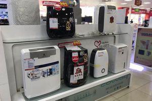 Khẩu trang, máy lọc khí 'nóng' theo cảnh báo ô nhiễm môi trường