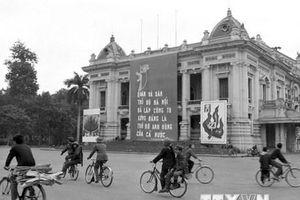 Tư liệu quý về Hà Nội 'một thời đạn bom, một thời hòa bình'