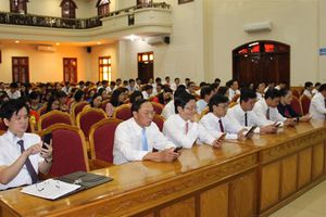 Hà Tĩnh: Đồng loạt phát động Cuộc thi tìm hiểu lịch sử Đảng Cộng sản Việt Nam tại lễ chào cờ
