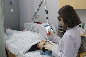 Cẩn trọng với trẻ hóa da mặt bằng tia laser