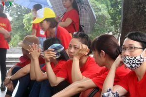 Không xét tuyển đặc cách giáo viên hợp đồng lâu năm, Hà Nội 'tiền hậu bất nhất'?