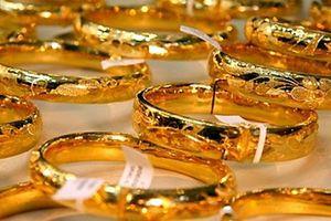 'Kẻ trộm kỳ cục' chỉ trộm tiền chứ không trộm vàng
