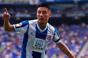 Wu Lei đi vào lịch sử bóng đá Trung Quốc tại cúp châu Âu