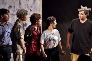 Sân khấu kịch của NSND Hồng Vân đóng cửa: Sẽ còn nhiều sân khấu khác nữa