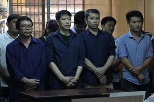 Thêm một lần ngưng phiên tòa xét xử các bị cáo bán 'logo xe vua', hối lộ CSGT