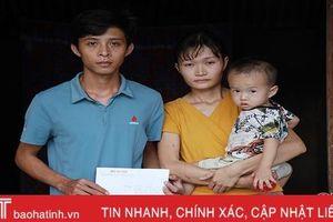 Qua Báo Hà Tĩnh, hơn 60 triệu đồng tới gia đình 'thay nhau đi viện'
