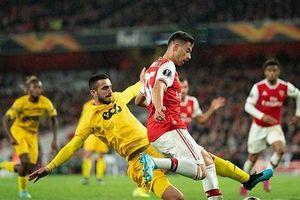 Tân binh 18 tuổi thi đấu thăng hoa, Arsenal đại thắng Standard Liege