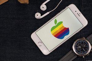 'Trai thẳng' kiện Apple vì biến mình thành người đồng tính