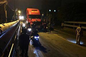 Nam thanh niên bị xe container cán tử vong trên đường Nguyễn Duy Trinh